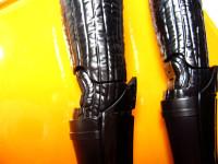 スター・ウォーズ「ダース・ベイダー」のプラモデル 膝の組立